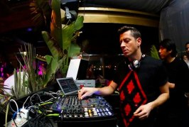 Davide Squillace – Dance Under The Blue Moon Radio Podcast – 08-06-2016 – @DavideSquillace