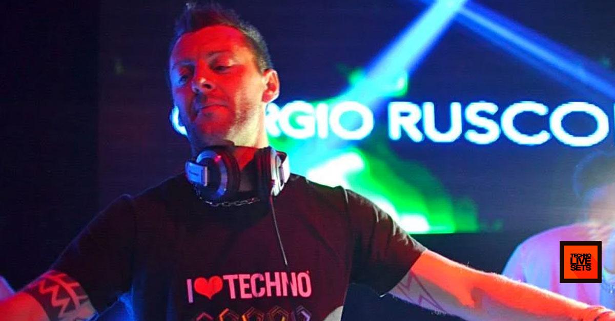 Techno giorgio rusconi october 016 is techno 01 10 2016 for Schreibtisch techno 016