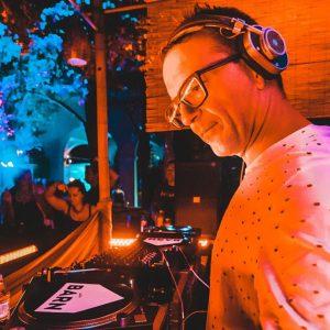 John Acquaviva Ibiza Global Radio (John Acquaviva & Friends) 09-12-2016