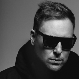 Umek 2014 behind the iron curtain 138 01 03 2014 for Trossingen canape