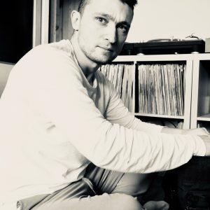 TwoSelves Techno Mix S2E01 14-03-2018